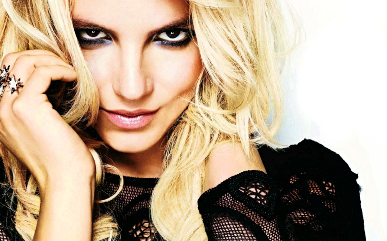 Beautiful Smile Wallpaper: Britney Spears Height And Wight Measurements