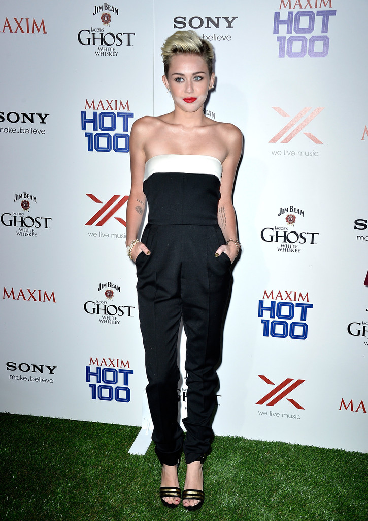 Miley Cyrus Height and Weight Measurements