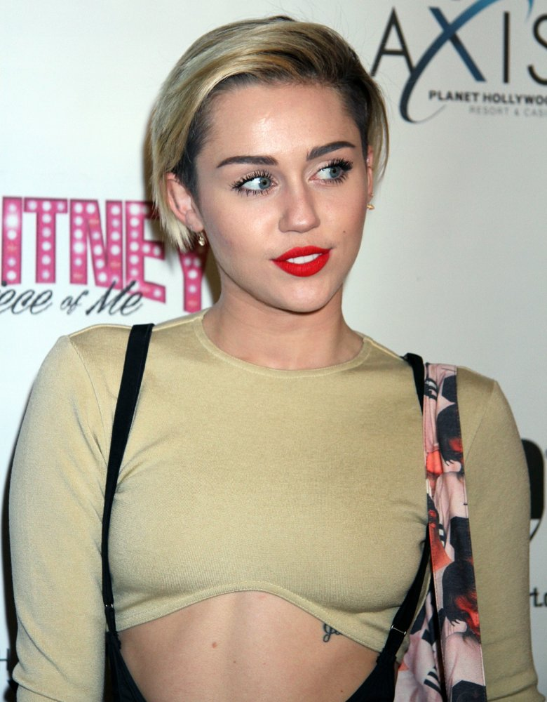 Miley cyrus hot half naked — 8