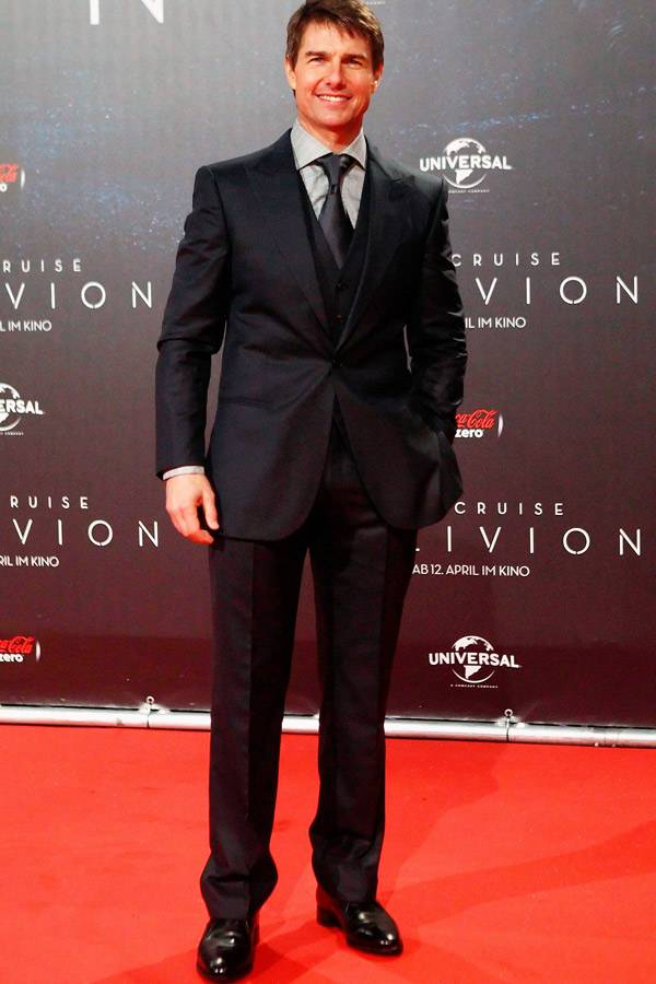Tom Cruise height | height and weights