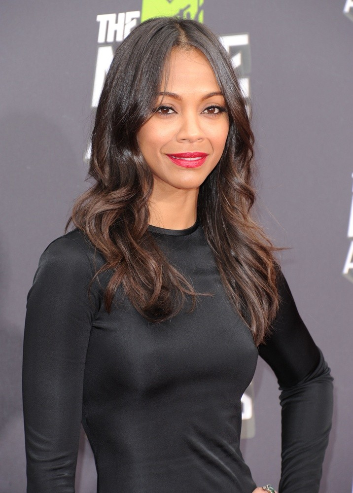 Zoey Soldana Height an... Zoe Saldana