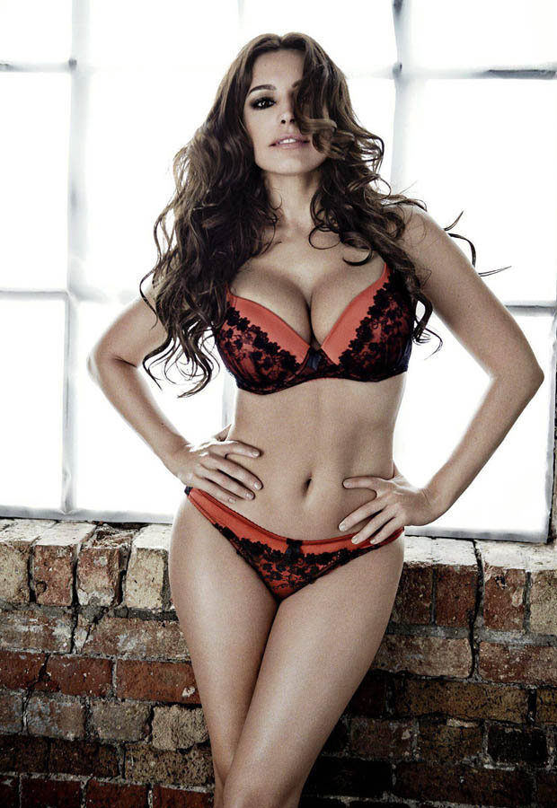 Kelly Brook Measurements Height And Weight