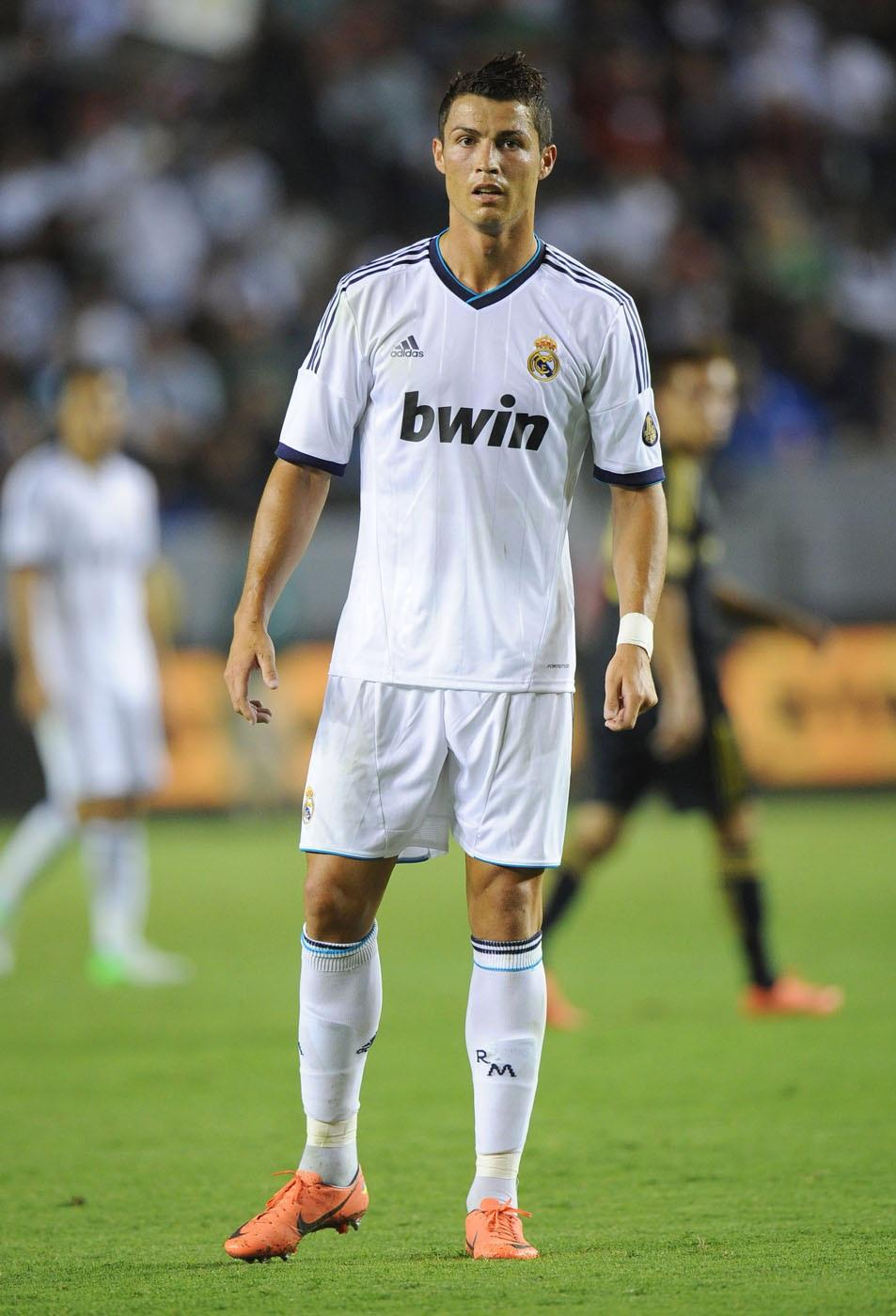 What Is Cristiano Ronaldo S Shoe Size