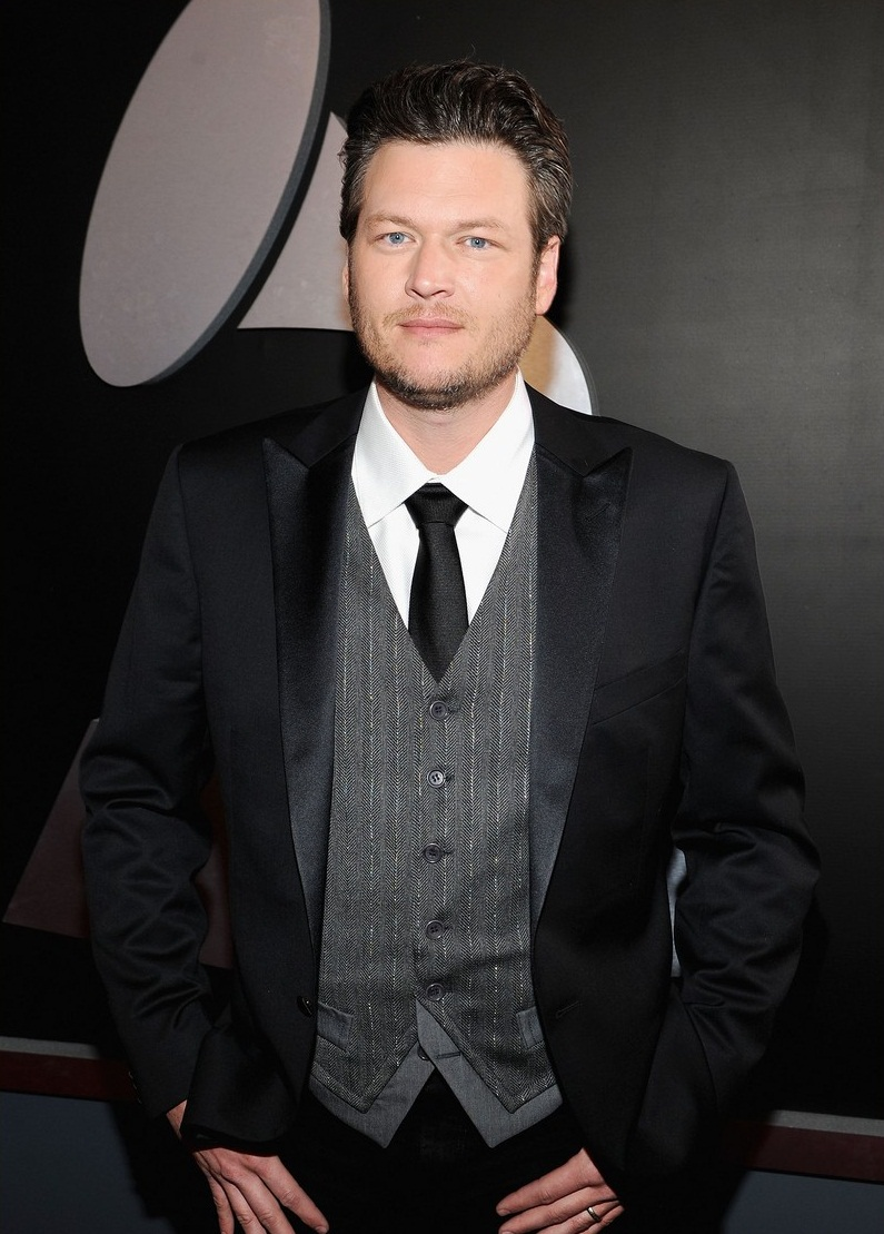 blake shelton height  stats and body measurements