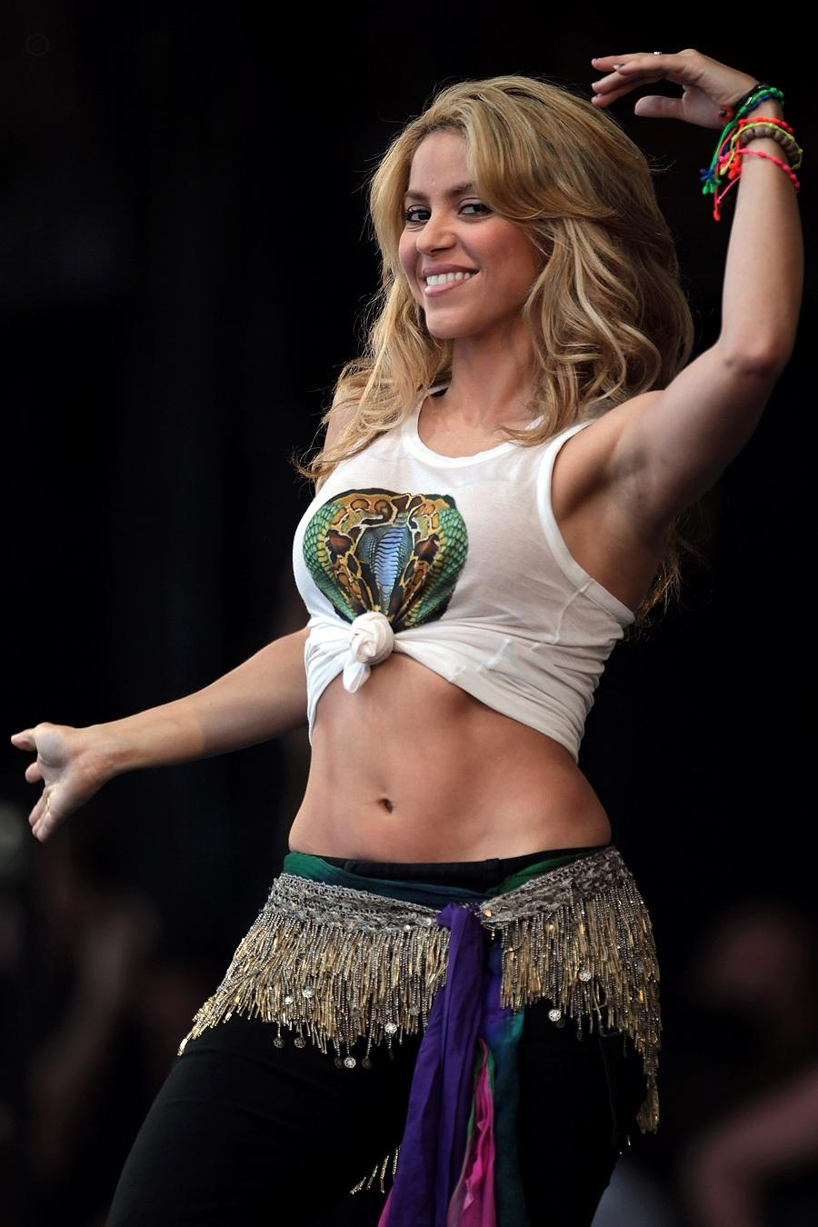 outfits Shakira belly dancing