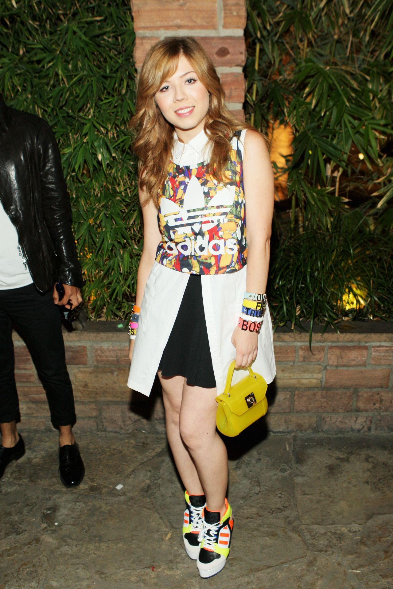 Jennette McCurdy Height, Wokout and Body Measurements