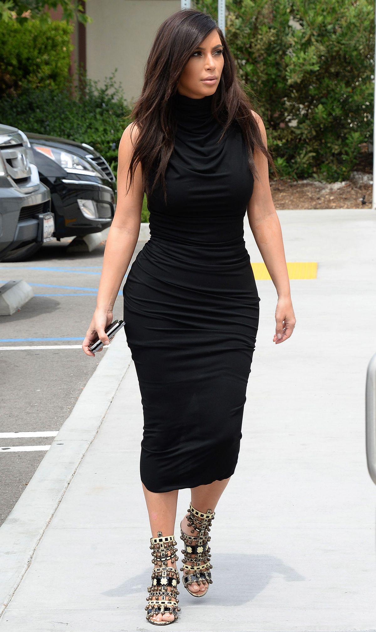 Kim Kardashian Measurements Height And Wight