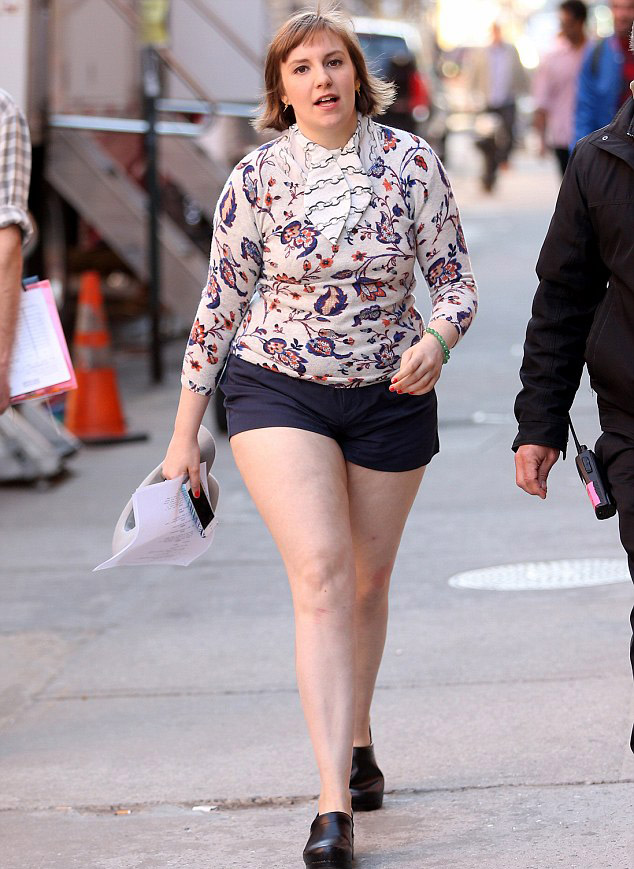 Lena Dunham Measurements Height And Wight