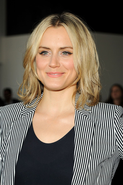Taylor Schilling Height And Weights