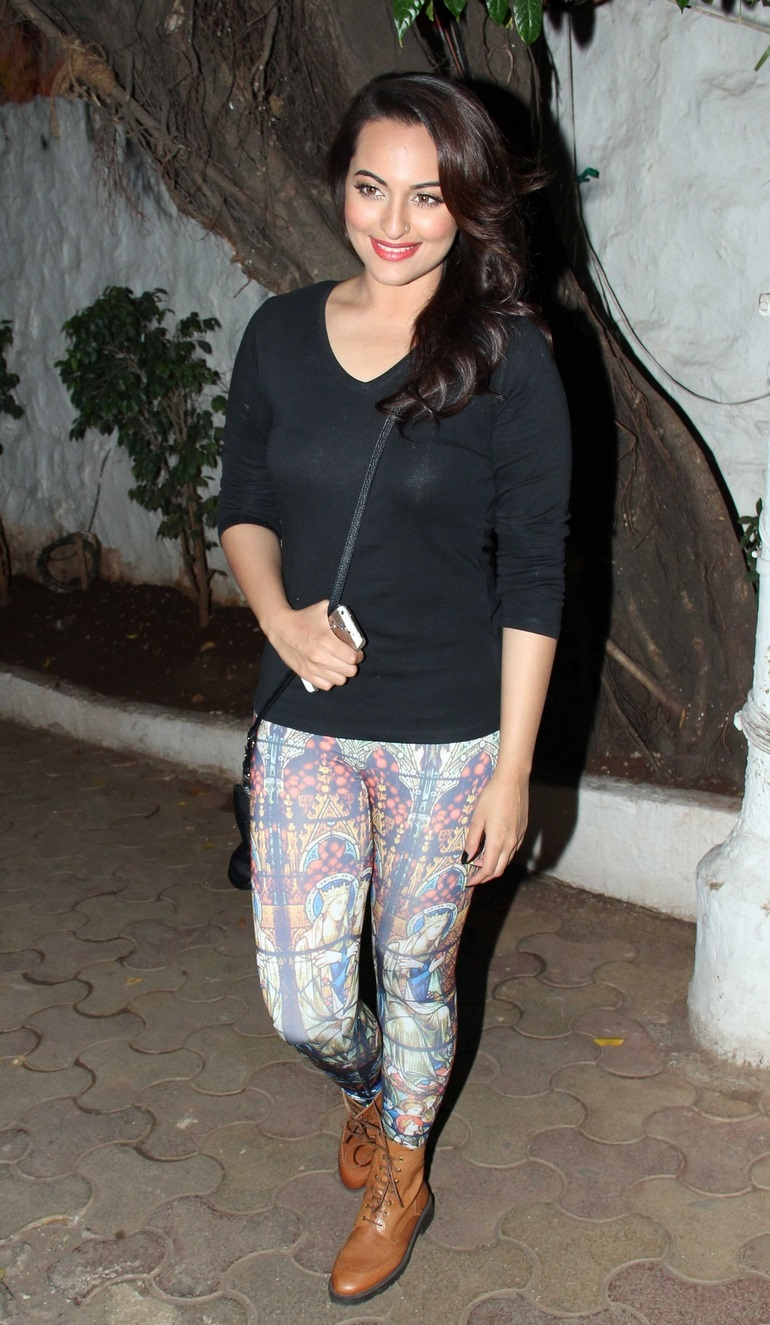 Sonakshi Sinha Measurements Height And Weight