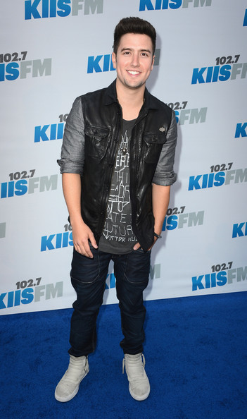 Logan Henderson Measurements Height And Weight