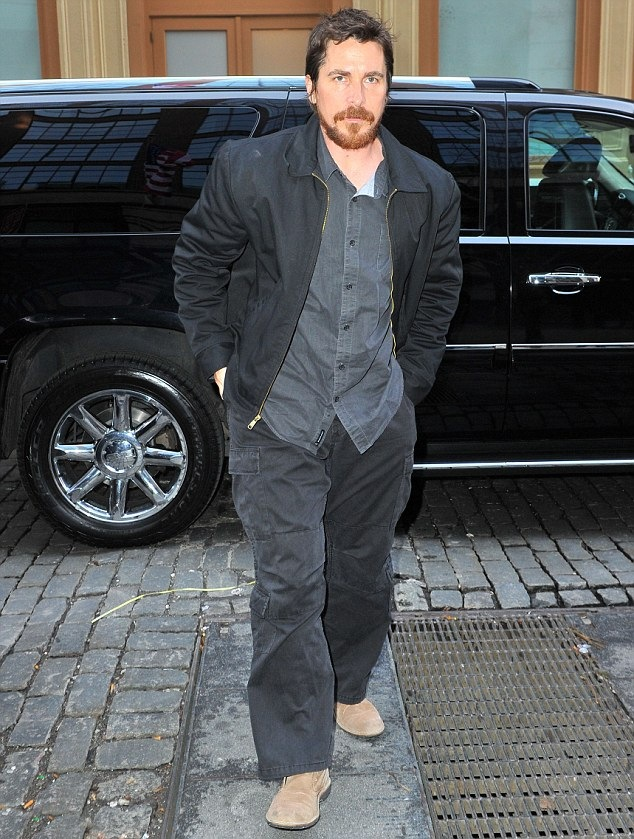 Christian Bale Measurements Height And Weight