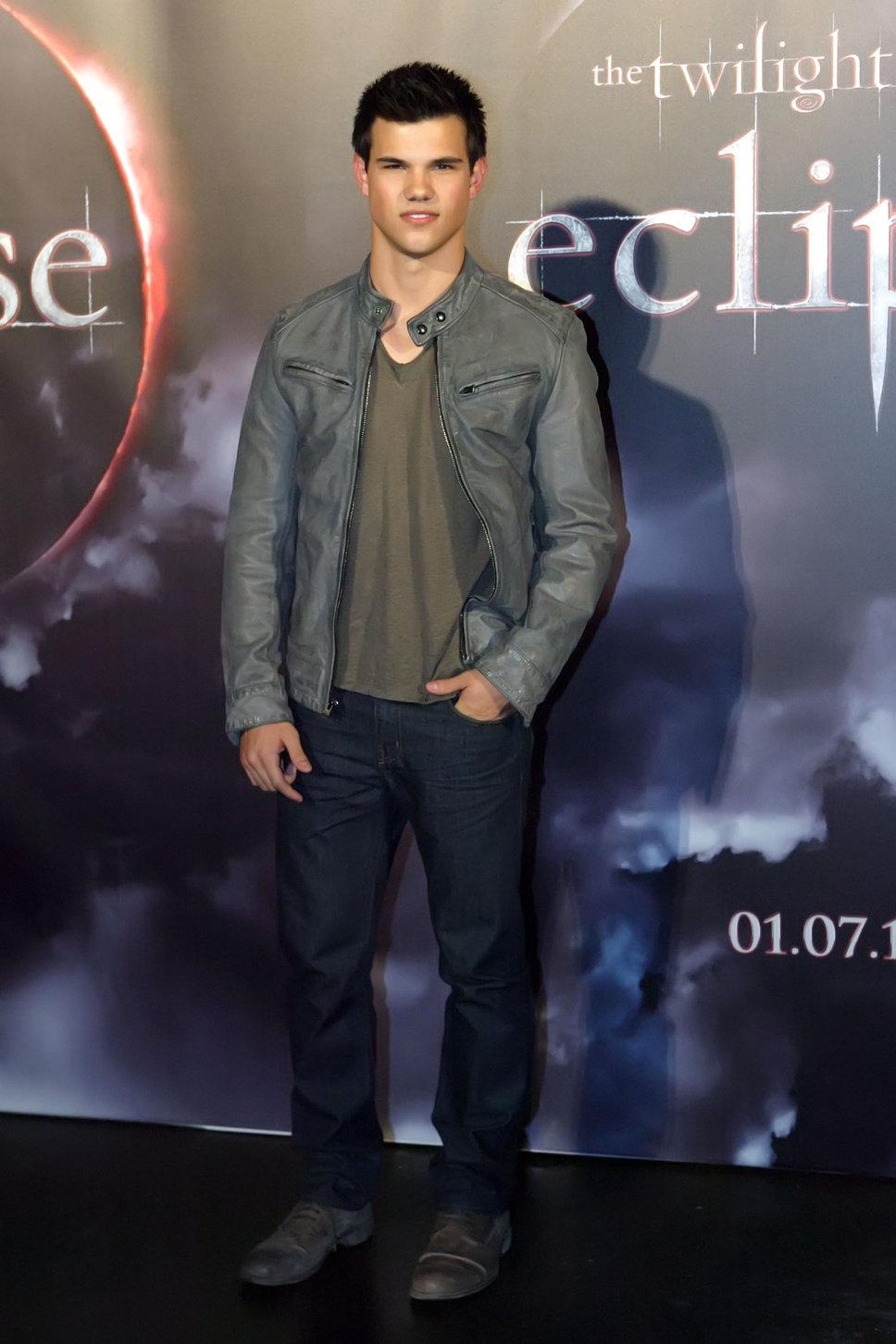 Taylor Lautner Measure...